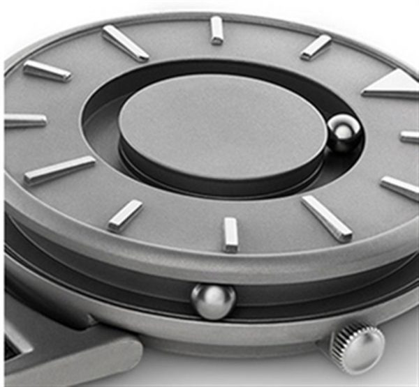 Minimalist Magnetic Ball Fashion Watch For Men -Close-up