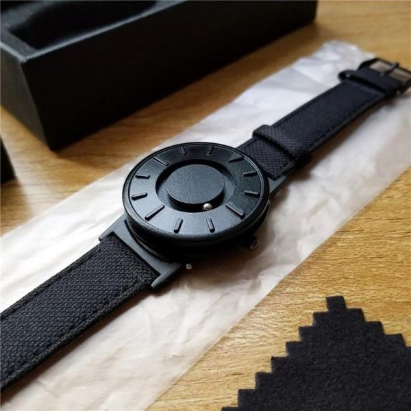 Minimalist Magnetic Ball Fashion Watch For Men - Side 2