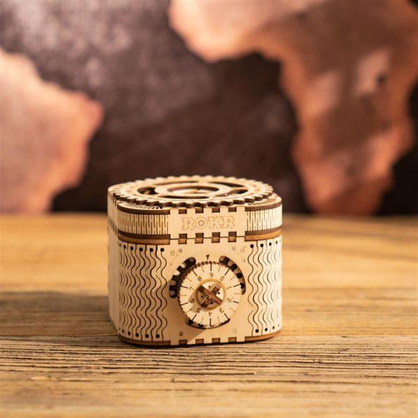 DIY 3D Treasure Box - front