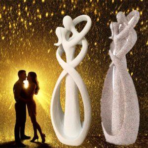 Kissing Lovers Figurine - 1