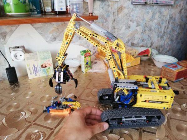 Motorized Excavator - Building Blocks - 1