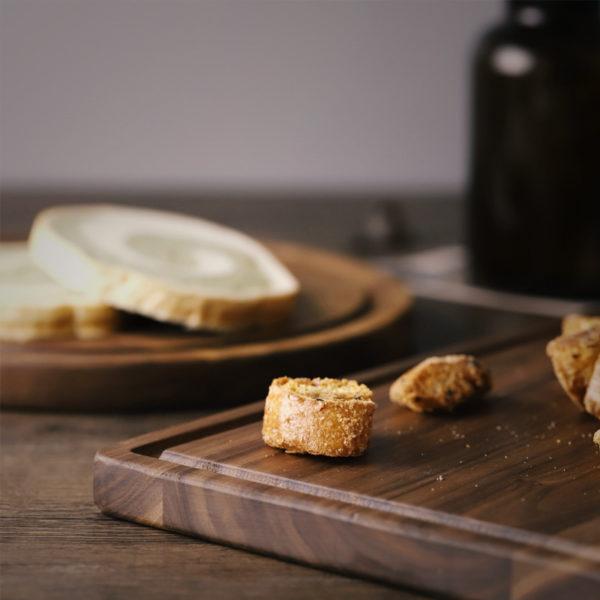 Black Walnut Chopping Board - Bread
