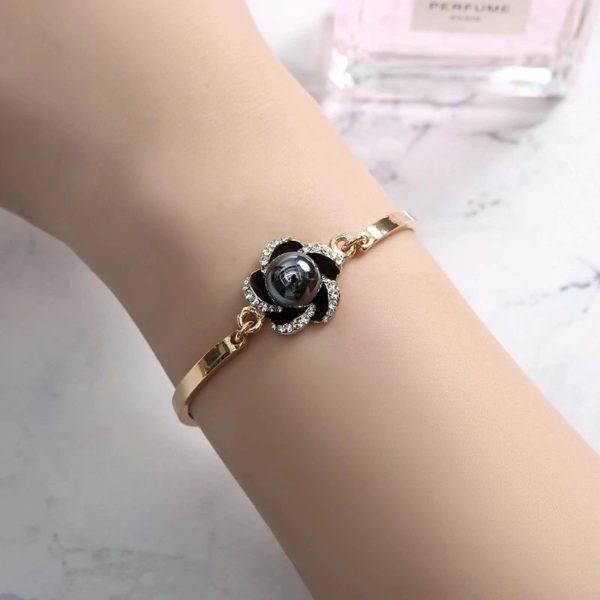 Women's Luxury Gift Set - Bracelet, Earrings, Necklace And Watch - Bracelet